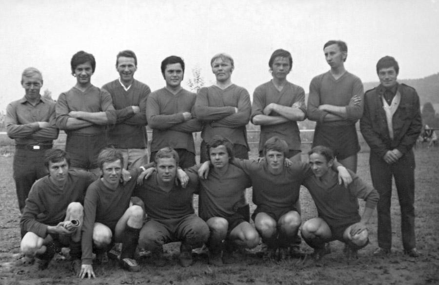fotbalova-jedenactka-po-75-rocemini
