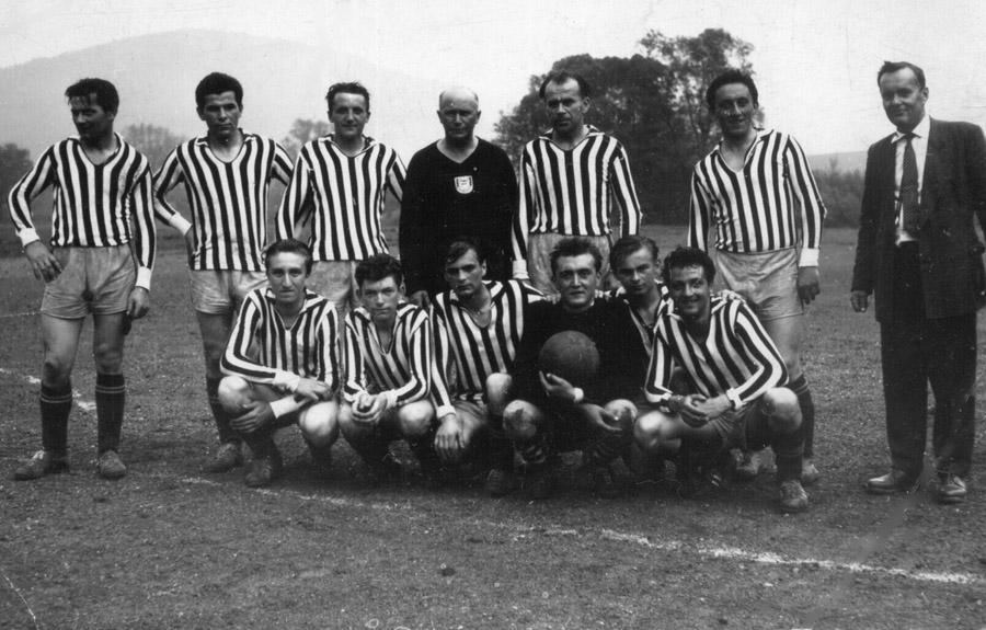 fotbalova-jedenactka-ze-zacatku-60-let-na-novemmini
